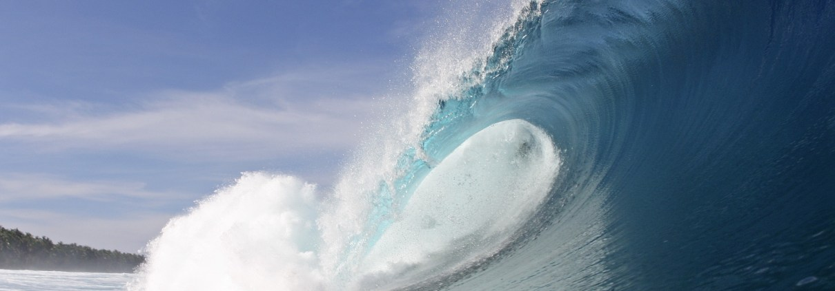 Maldives Surf Seasons