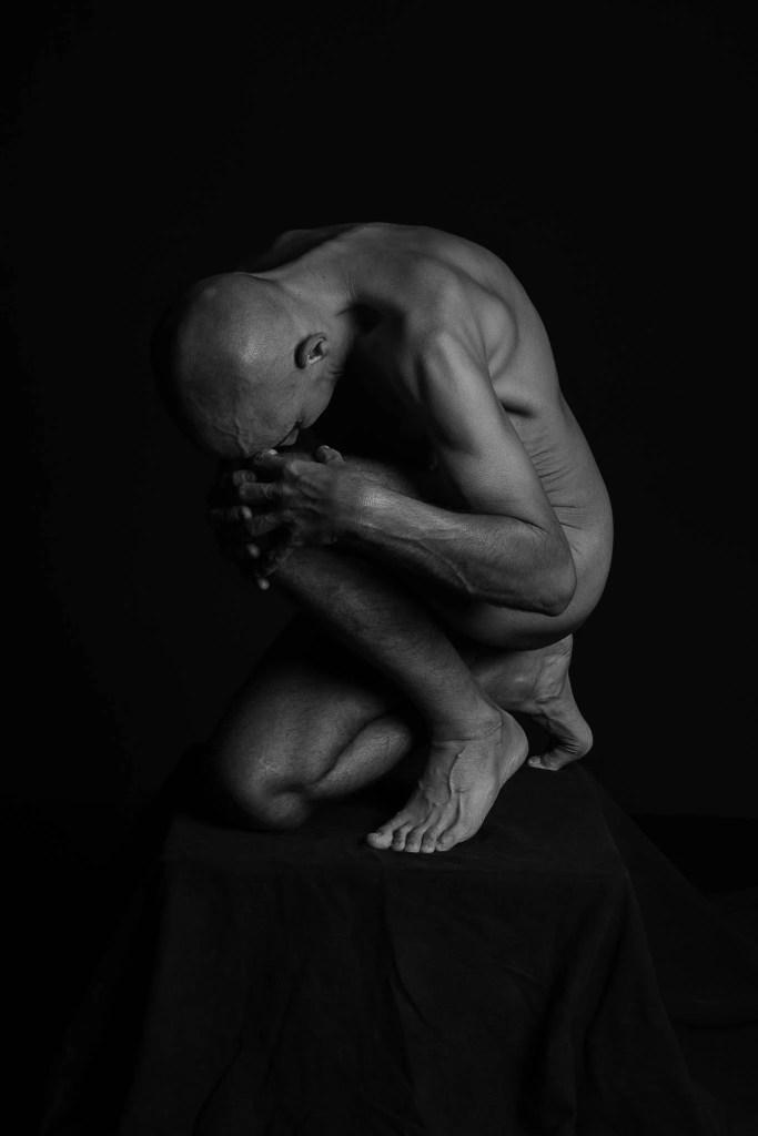 Mann_Akt_pose_kunst_skulptur