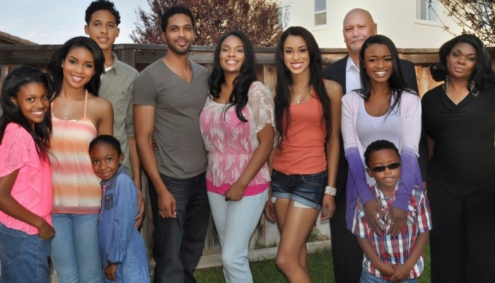 famous in 12 cancelled renewed season 2