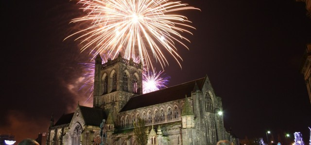 Paisley Fireworks Spectacular 2014