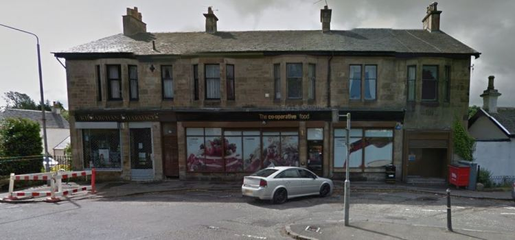 Police investigating armed robbery at Co-Operative in Kilbarchan