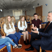 Renfrewshire Council leader gives a warm welcome to Renfrewshire's MSYPs