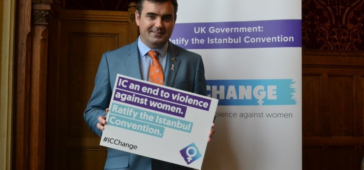 Local MP Gavin Newlands shows his support to end violence against Woman and Children