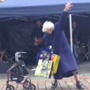Video: 'Rock 'n' Roll Granny' dances in the street at the Spree