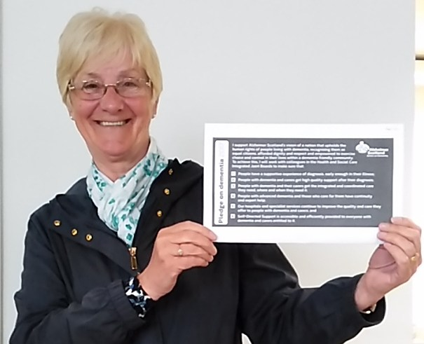 Councillor pledges her support for Alzheimer Scotland
