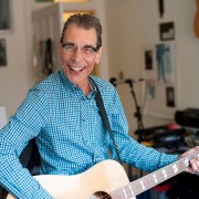 Rab Noakes plays The Boarding House