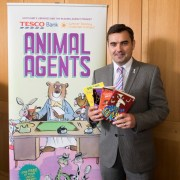 Gavin Newlands MP encourages kids to get involved in the Summer Reading Challenge