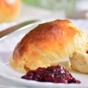 Scone-noisseur of the world contest comes to Lochwinnoch: Can you bake the perfect plain scone?