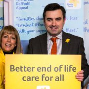Gavin Newlands MP and Fay Ripley help launch Marie Curie's Great Daffodil Appeal