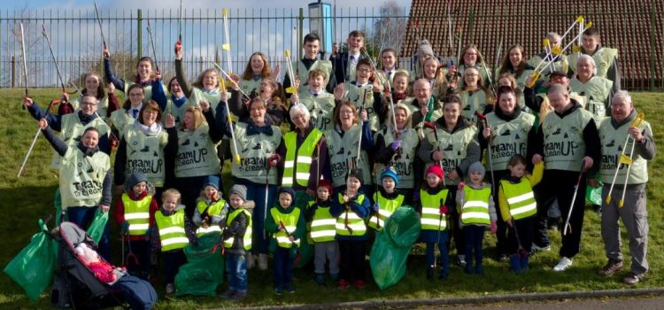 Local school pupils help clean up Thomas Shanks Park in Johnstone