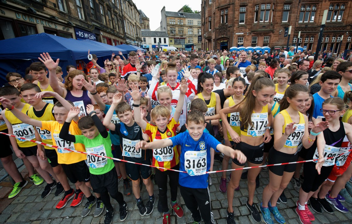 Thousands take to the streets of Paisley for the annual 10k and Fun Run