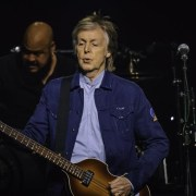 Paisley photographer David Cameron fulfils dream to shoot Paul McCartney at last night's Glasgow Hydro gig