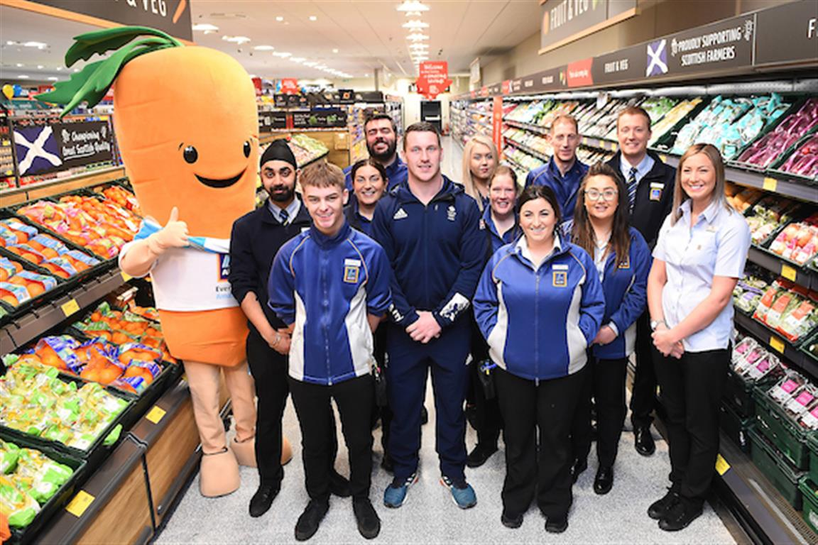Scottish Olympian opens new Aldi store in Johnstone