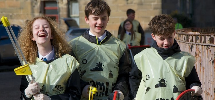Renfrewshire communities turned out in their thousands to support Council Clean campaign