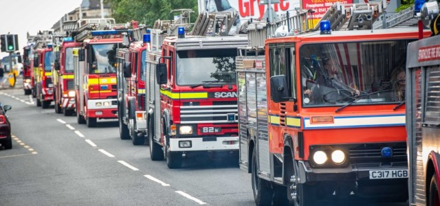 Photos: Crowds turn out in Johnstone as Fire Engine Rally returns to the town