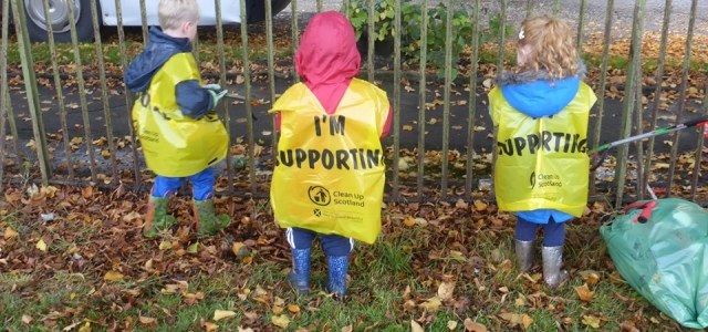 Inspired volunteers clean up more than 1000 bags of litter during Spotless September