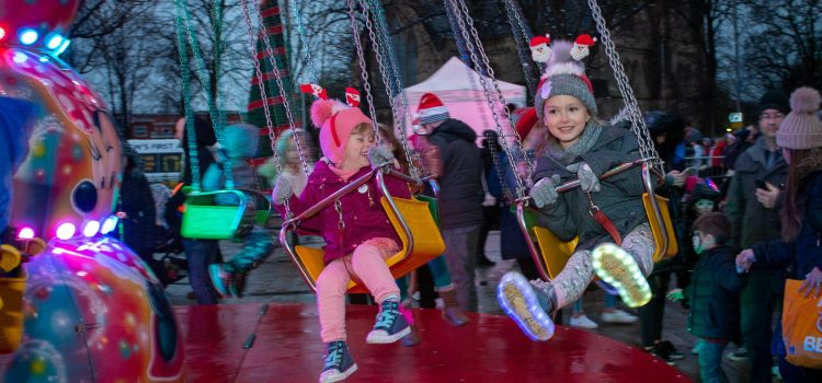 Renfrew to switch on their Christmas lights on Saturday