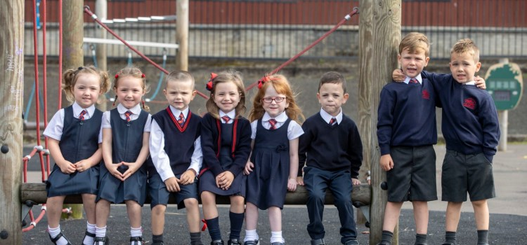 Four sets of twins start school together at Renfrewshire primary school