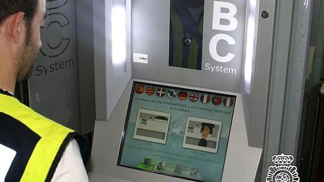 cita para renovar pasaporte en Badalona