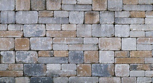 Comment faire le jointoiement d'un vieux mur en pierre naturelle?