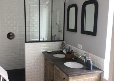 salle de bains style retro chic