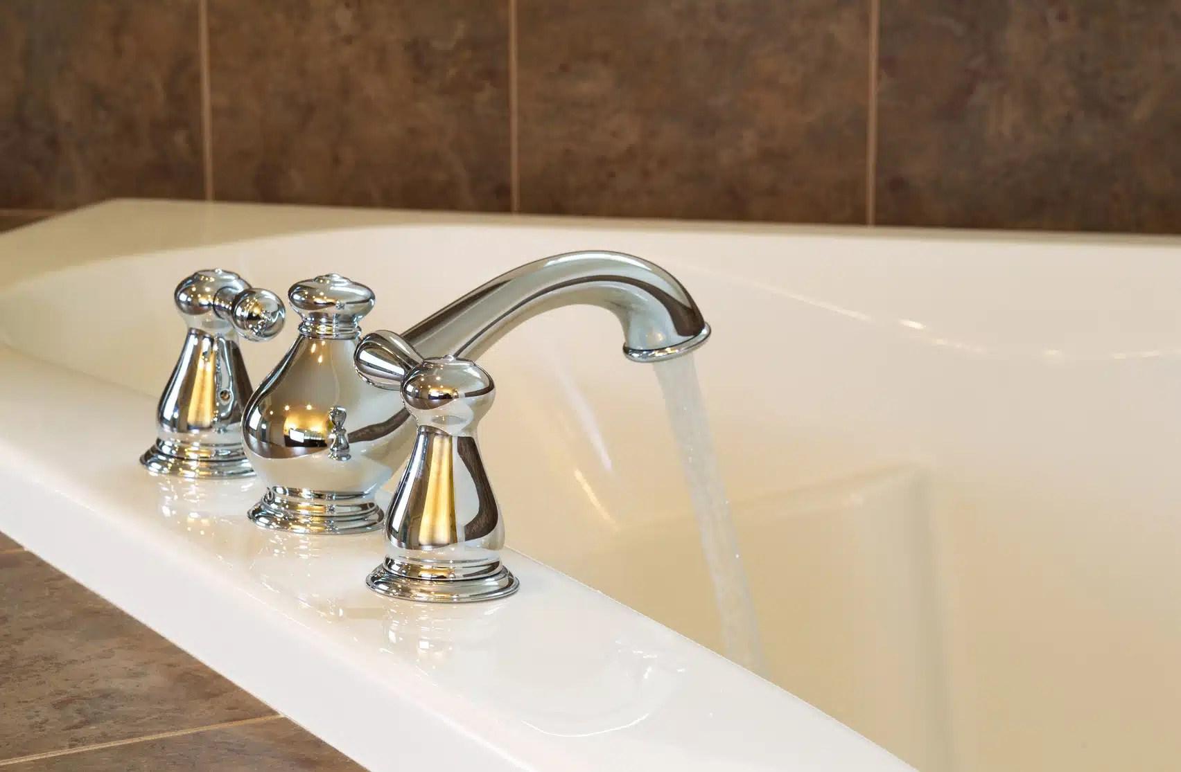 https www renovationettravaux fr changer robinet baignoire