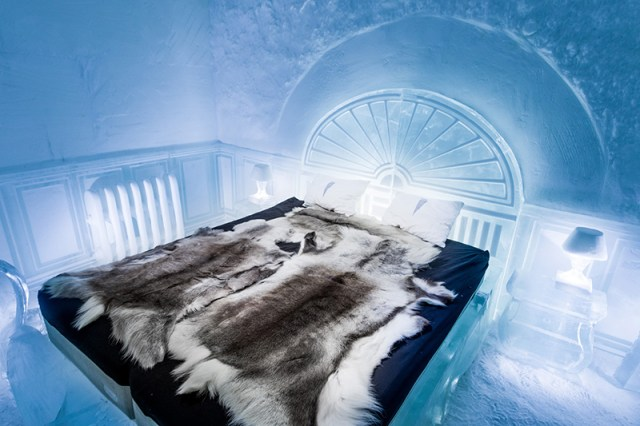Deluxe Suite – The Victorian Apartment – designed by Luca Roncoroni. Photography by Asaf Kliger | ICEHOTEL.
