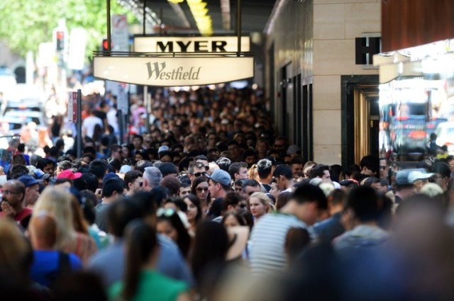 Boxing Day sales in Sydney 2014. Shoppers were expected to spend a record A$2.5 billion on Boxing Day 2016. AAP/Sam Mooy