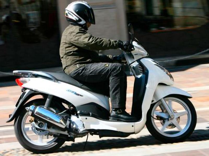 peugeot-lxr-200-rent2ride-noleggio-moto-e-scooter-salerno-home