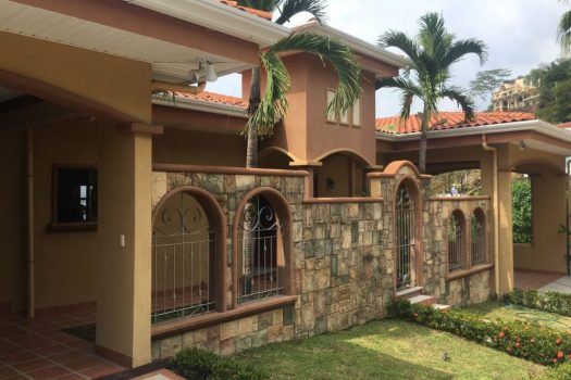 Duplex 30A/B for sale in Altos Leonamar