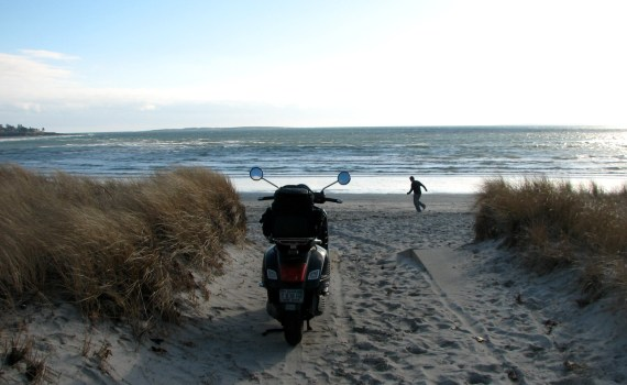 Find moped and scooter rental provider