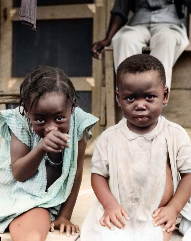 Bratec in sestrica, 1944 (foto: Roumen/Reddit)