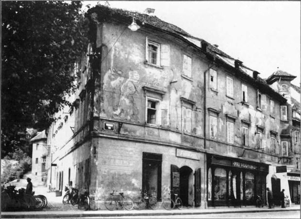 1917 - vogalna stavba na Vodnikovem trgu