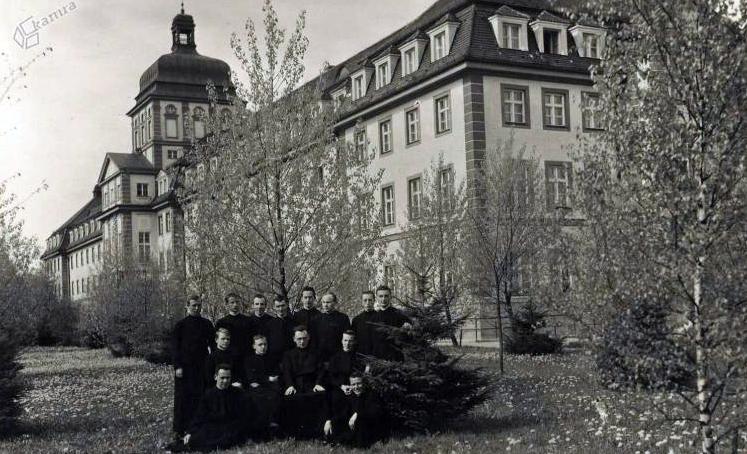 1930 - Vincencijevo semenišče v Spodnjih Poljanah