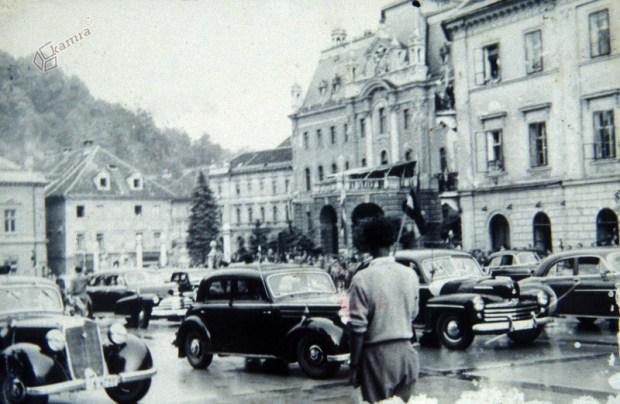 1955 - diplomatski avtomobili na Kongresnem trgu