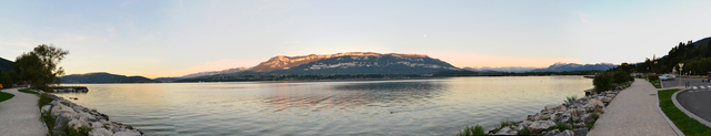 Coucher de soleil sur le lac du Bourget