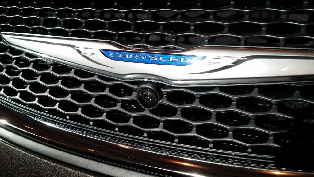 2017 chrysler pacifica limited vehicle features (9)