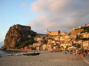 Scilla Caste and City