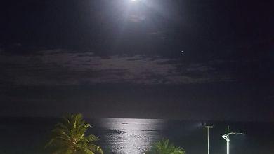 Photo of Lua abençoada. Praia de Jatiúca, Maceió/AL; Foto: Fernando Maia – 13/03/2017