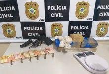 Photo of Mulher é presa por tráfico de drogas e posse ilegal de arma de fogo em Rio Largo