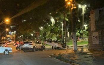 Photo of Duas pessoas ficam feridas em acidente na Ponta Verde, em Maceió