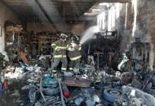 Photo of Incêndio atinge oficina mecânica na Av. Gustavo Paiva, em Maceió