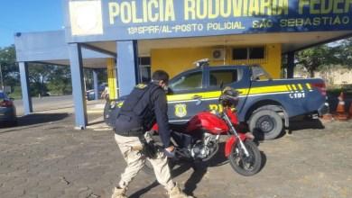 Photo of PRF prende homem e recupera moto roubada na BR-101, em São Sebastião, AL