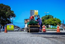 Photo of Prefeitura executa manutenção de vias e drenagem em ruas da capital