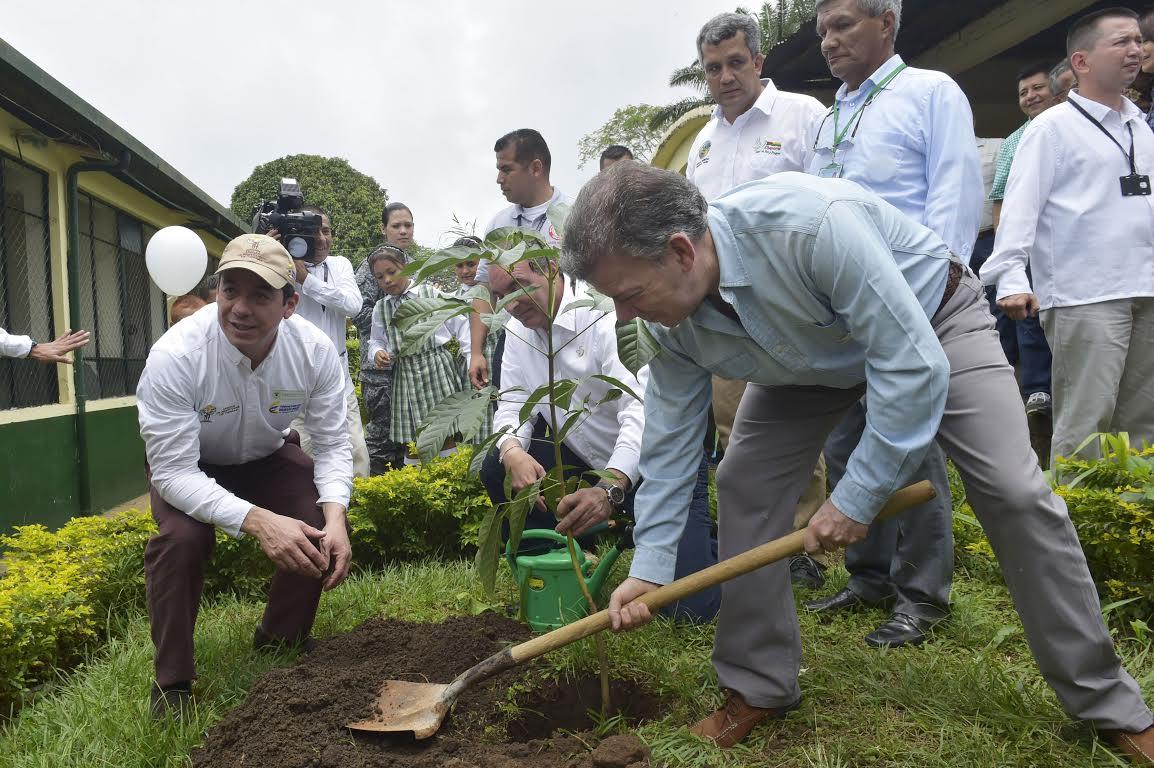 Resultado de imagen para paz con prosperidad siembre colombia