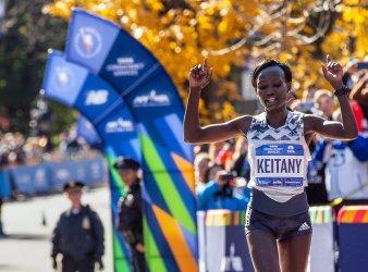 Mary Keitany Wins the Women's Race.