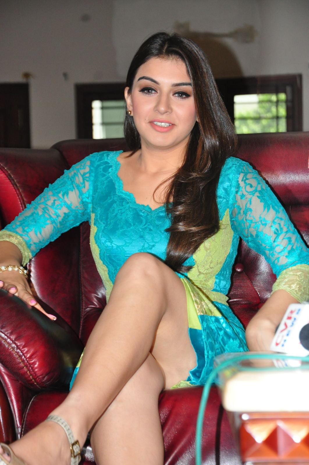 Actress Hansika Motwani Sexy Legs Images