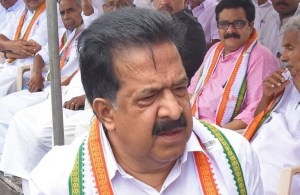 Appoint Special Public Prosecutor in Assembly ruckus case for fair trial: Chennithala to Kerala CM
