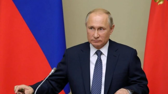 Russian President Putin in self-isolation afterCovid cases in inner circle