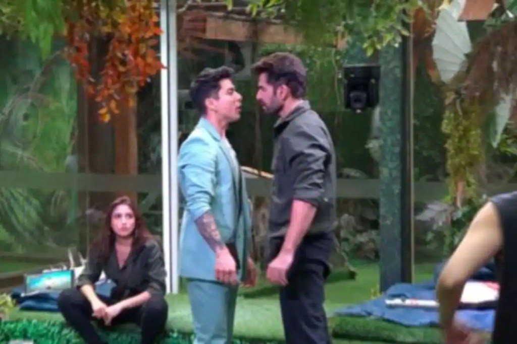 Bigg Boss 15: Jay-Pratik Get Into Fierce Fight Once Again, Contestants Grapple Onto Each Other